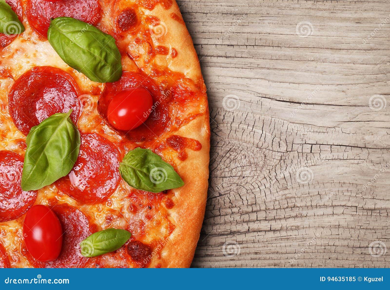 ścinku podobieństwo ścieżki odseparowana pizza pepperoni