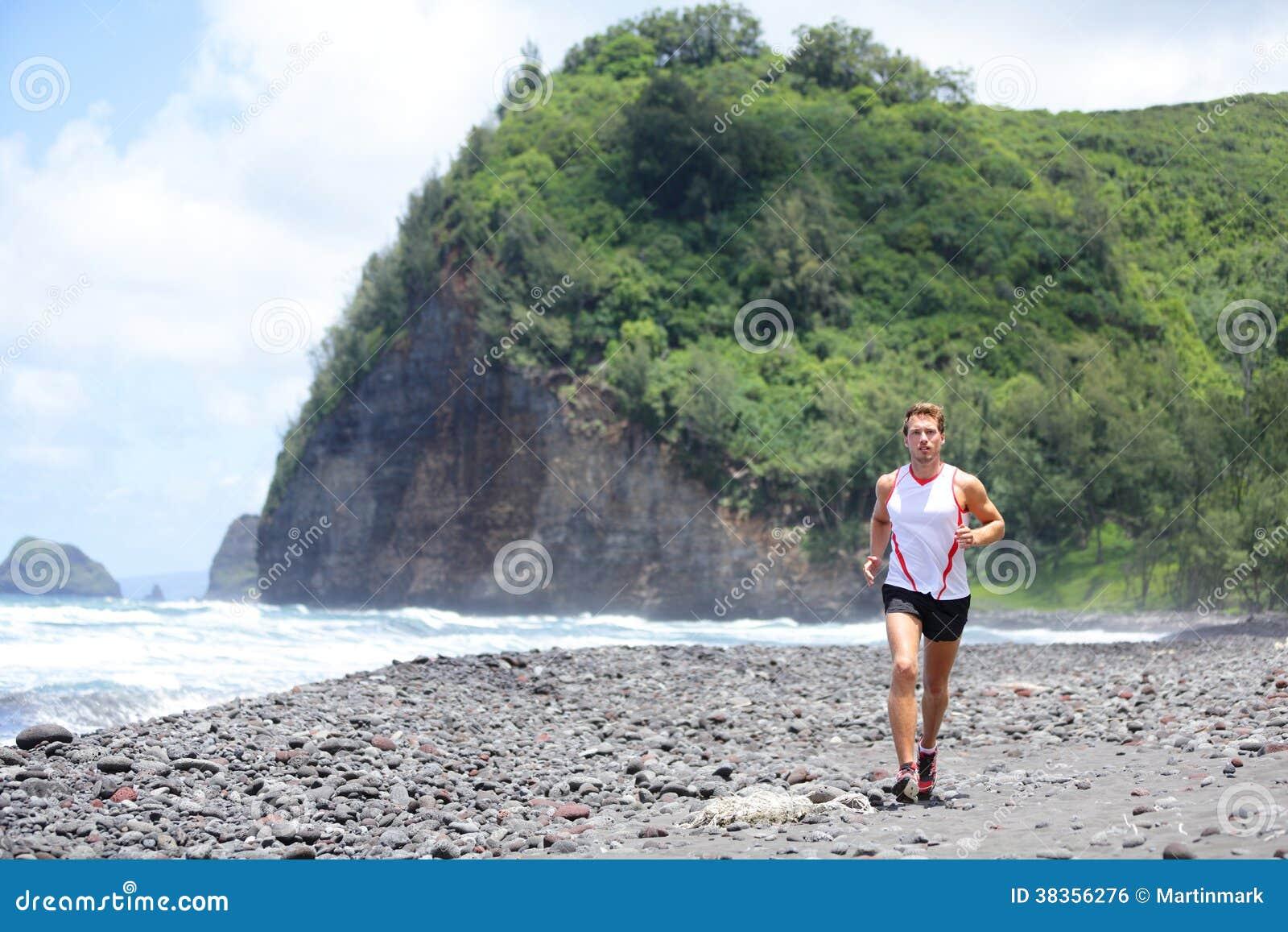 Ślad atlety mężczyzna działający szkolenie dla sprawności fizycznej