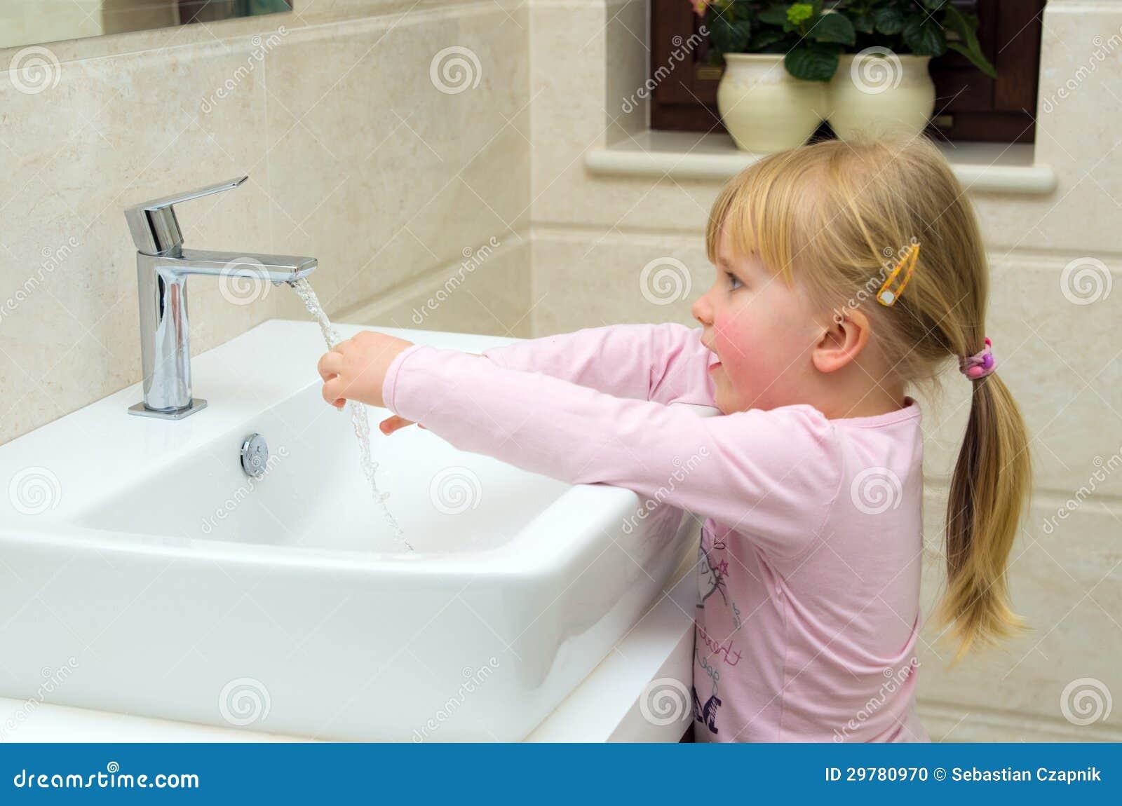 Dziecka domycia ręki