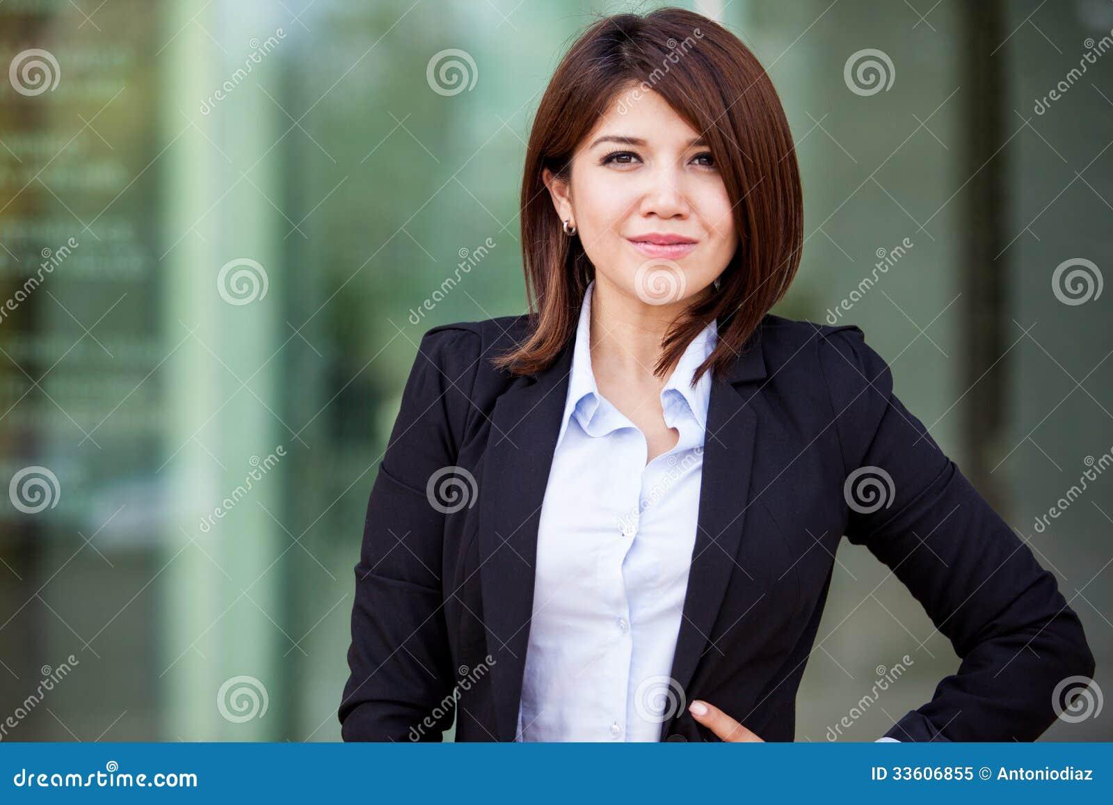 Śliczny Latynoski bizneswoman
