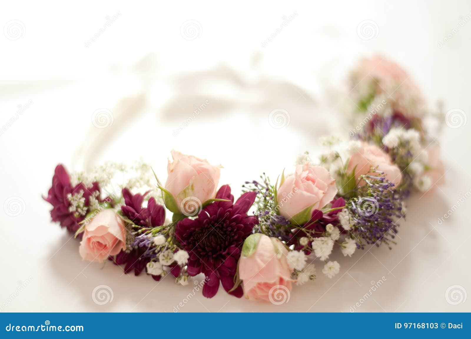 Ślubni korona kwiaty