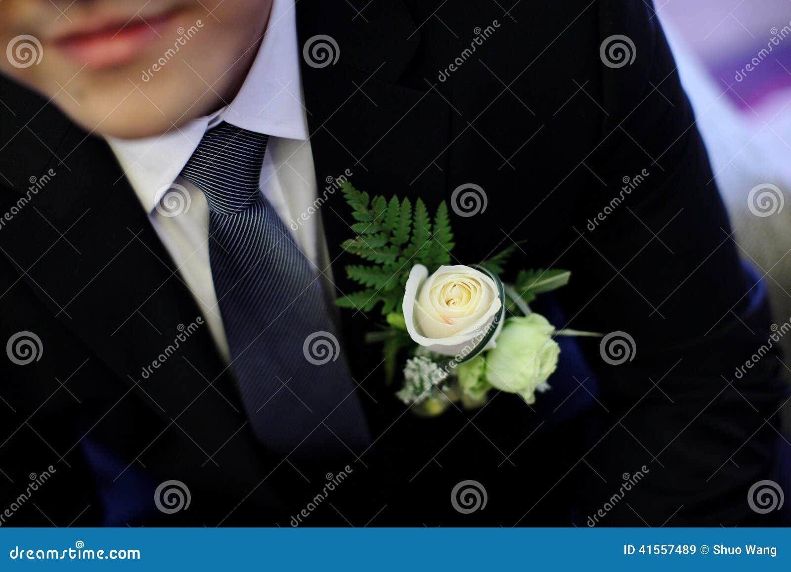 Ślubny kwiat dla nowożena