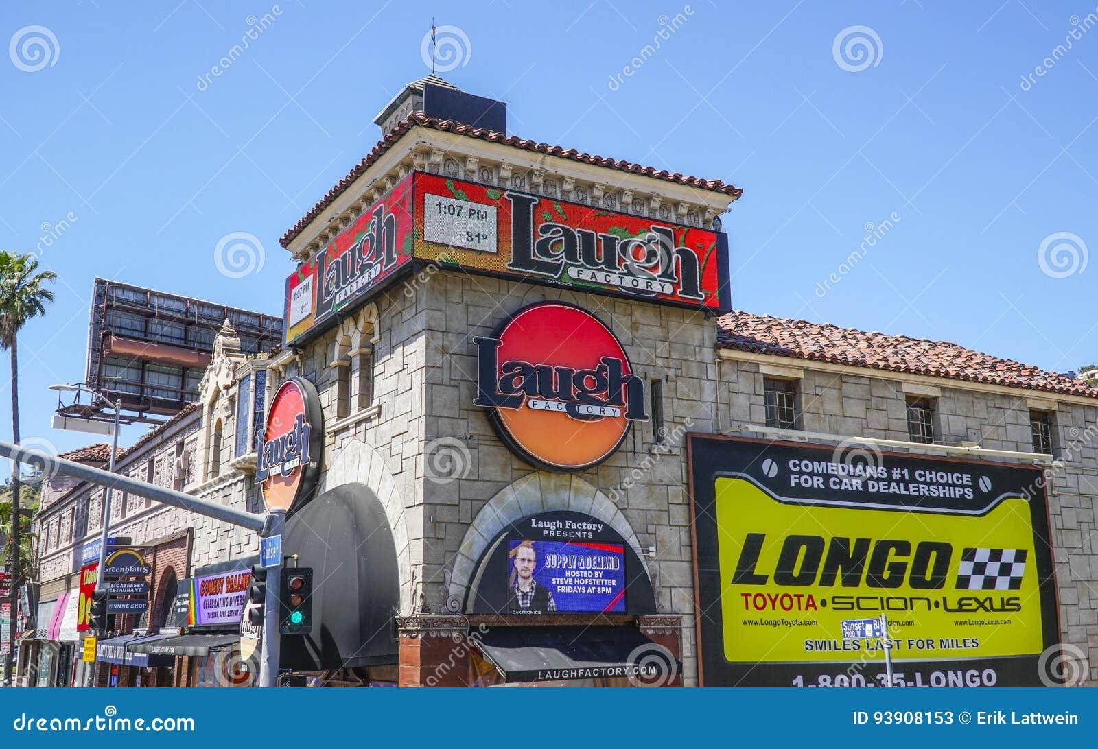 - 20, 2017 śmiech fabryka przy zmierzchu bulwarem w Los Angeles, LOS ANGELES, KALIFORNIA, KWIETNIU -