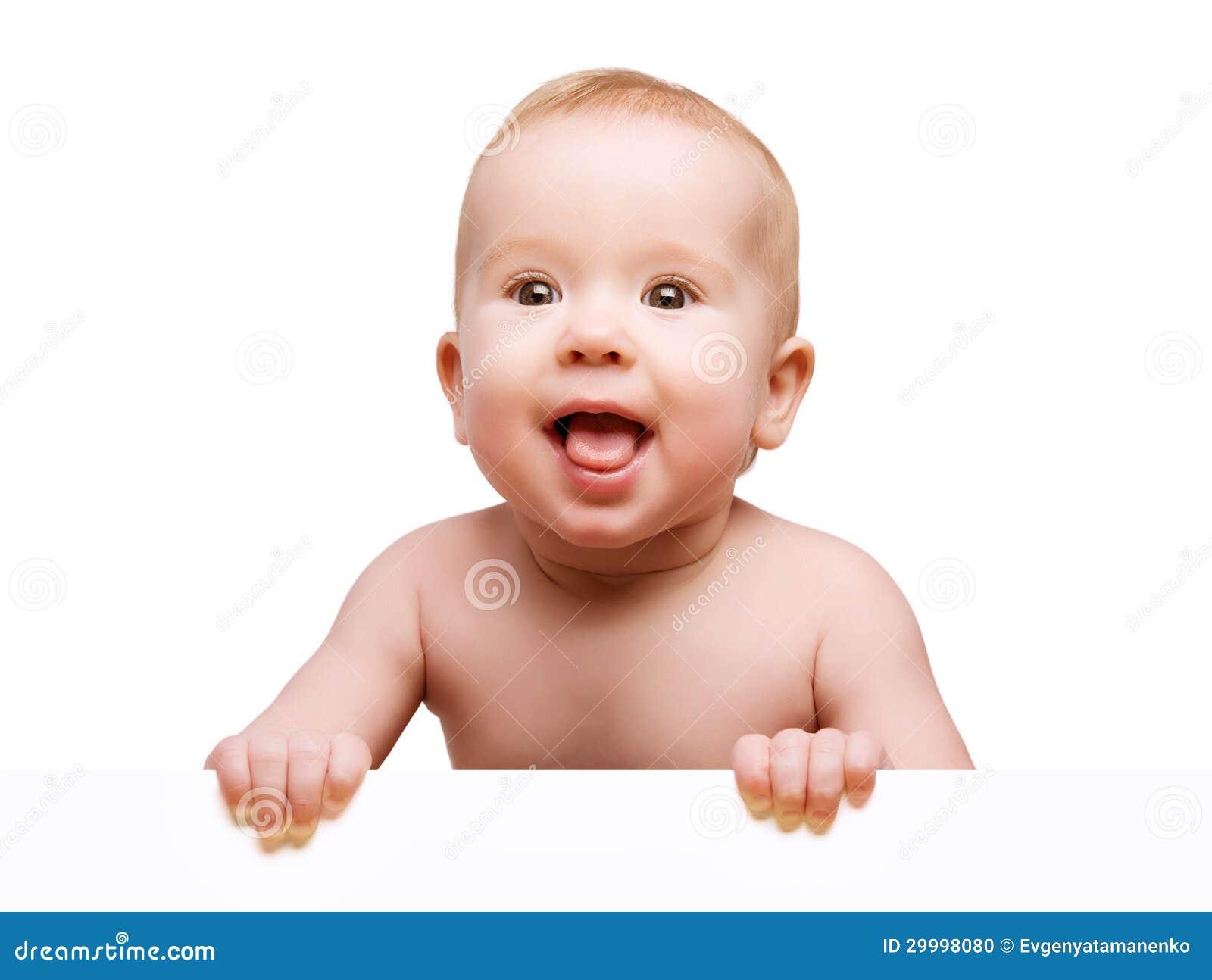 Śmieszny śliczny dziecko z białym pustym sztandarem odizolowywającym