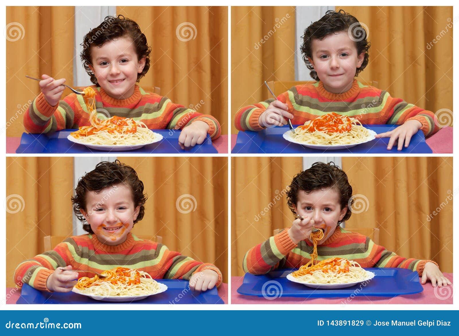 Śmieszny sequece z dziecka łasowania spaghetti