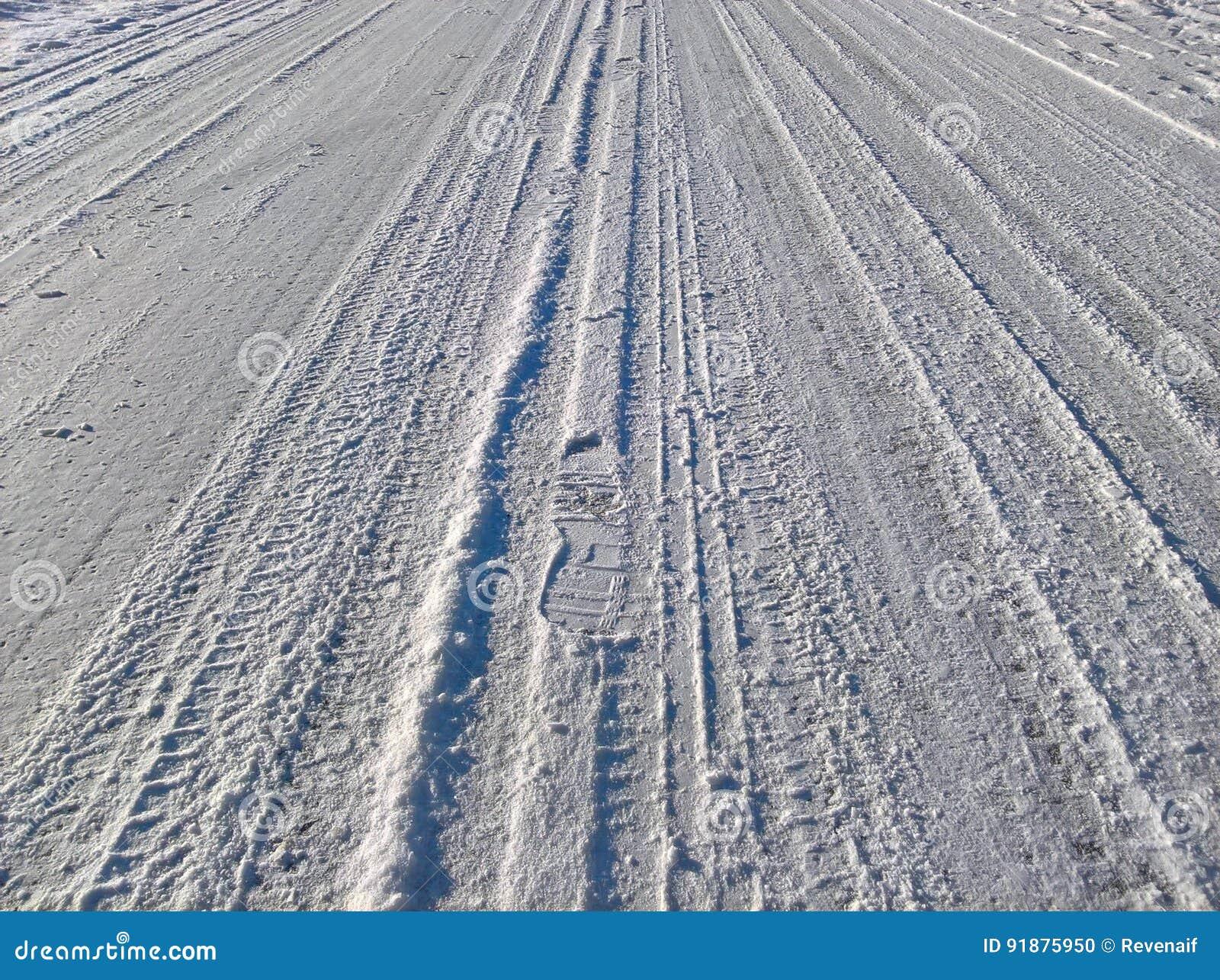 Śnieżna Śliska droga