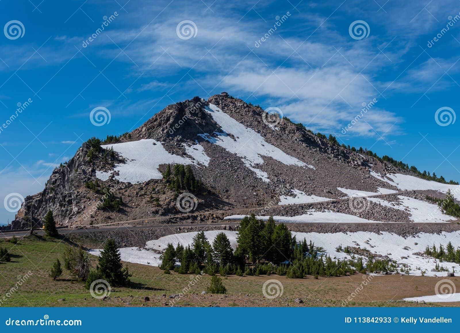 Śnieg Utrzymuje się na śladzie Watchman Przegapia