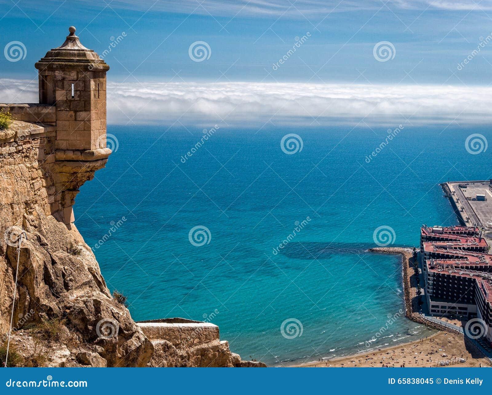 Śródziemnomorski widok w Alicante, Hiszpania