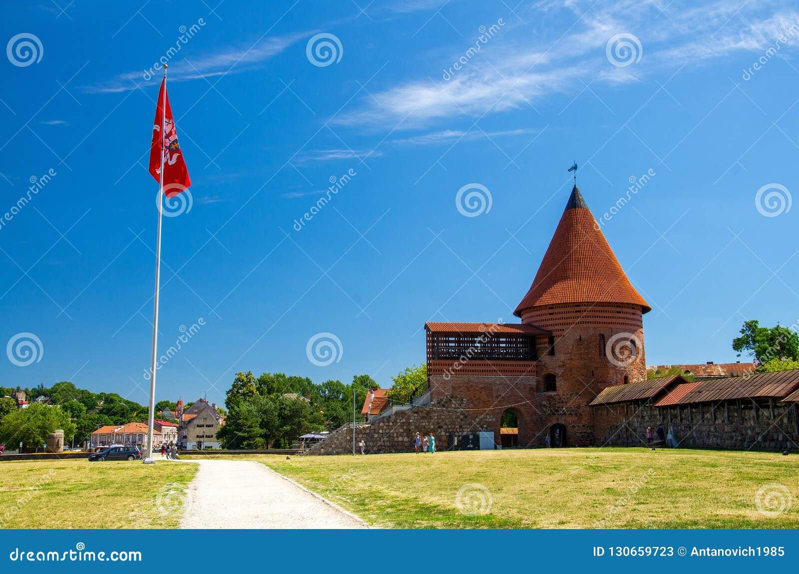 Średniowieczny gothic Kaunas kasztel z wierza, Lithuania