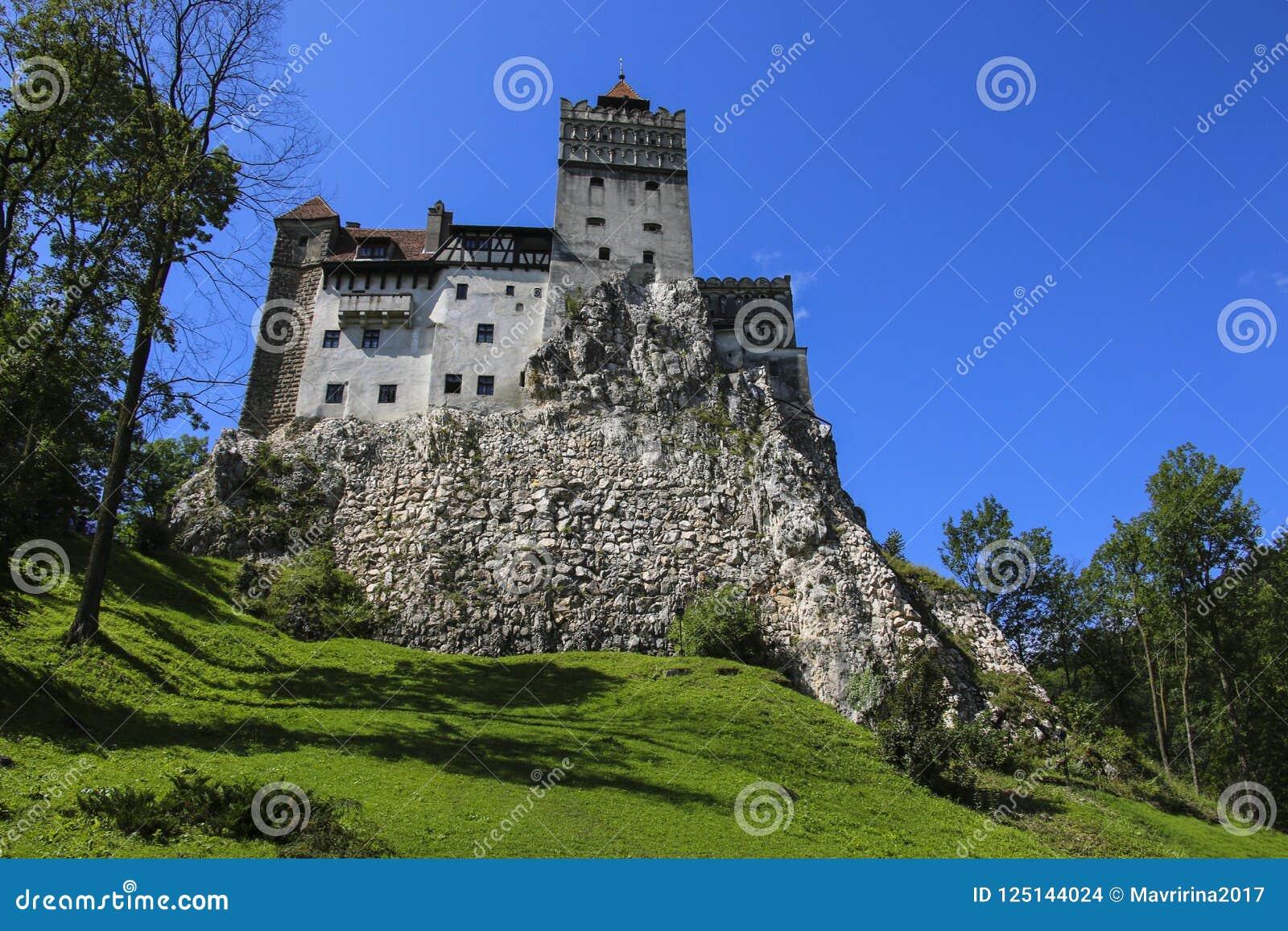 Średniowieczny kasztel otręby, znać dla mitu Dracula Brasov,