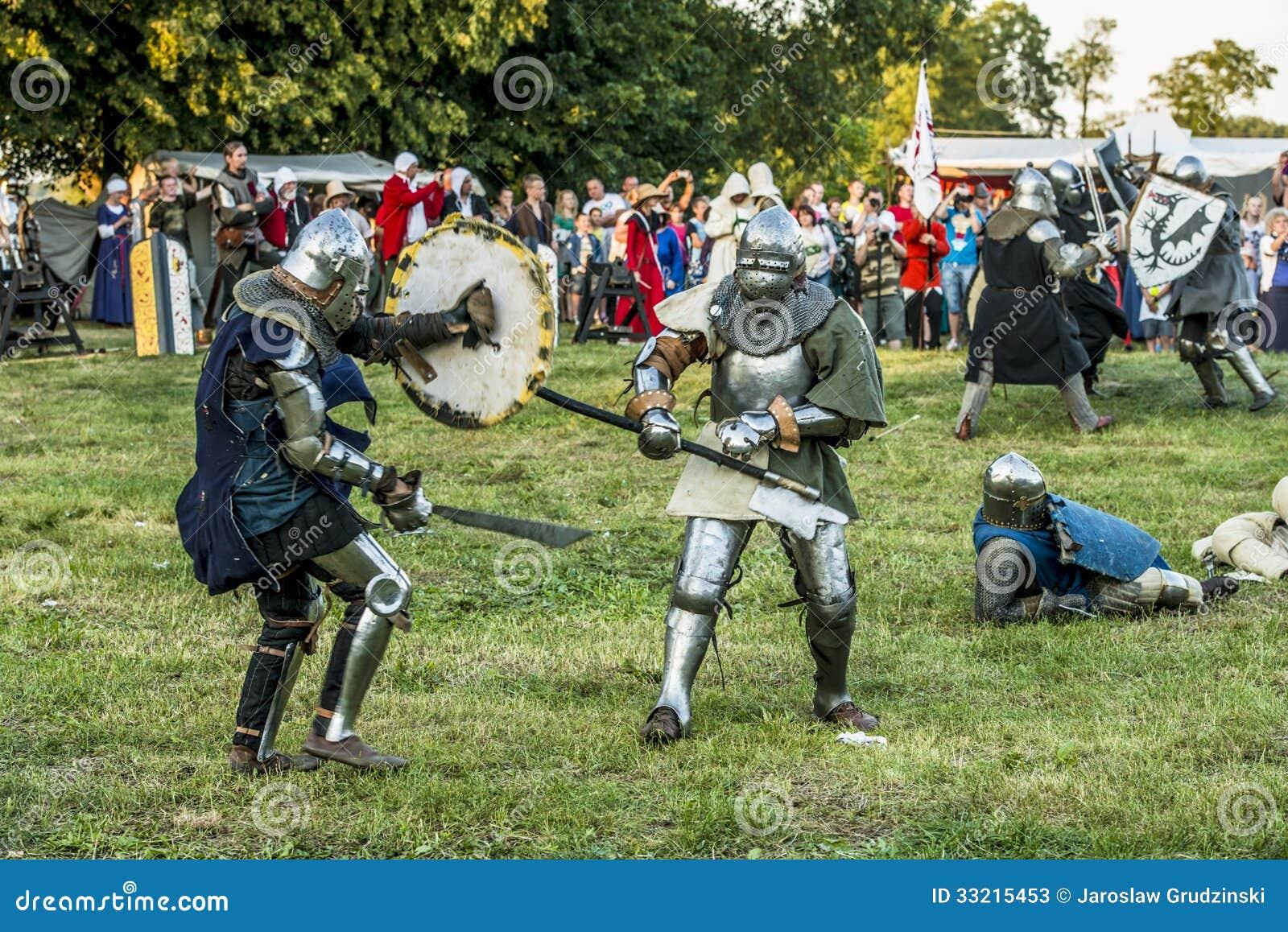 Średniowieczny rycerzy walczyć