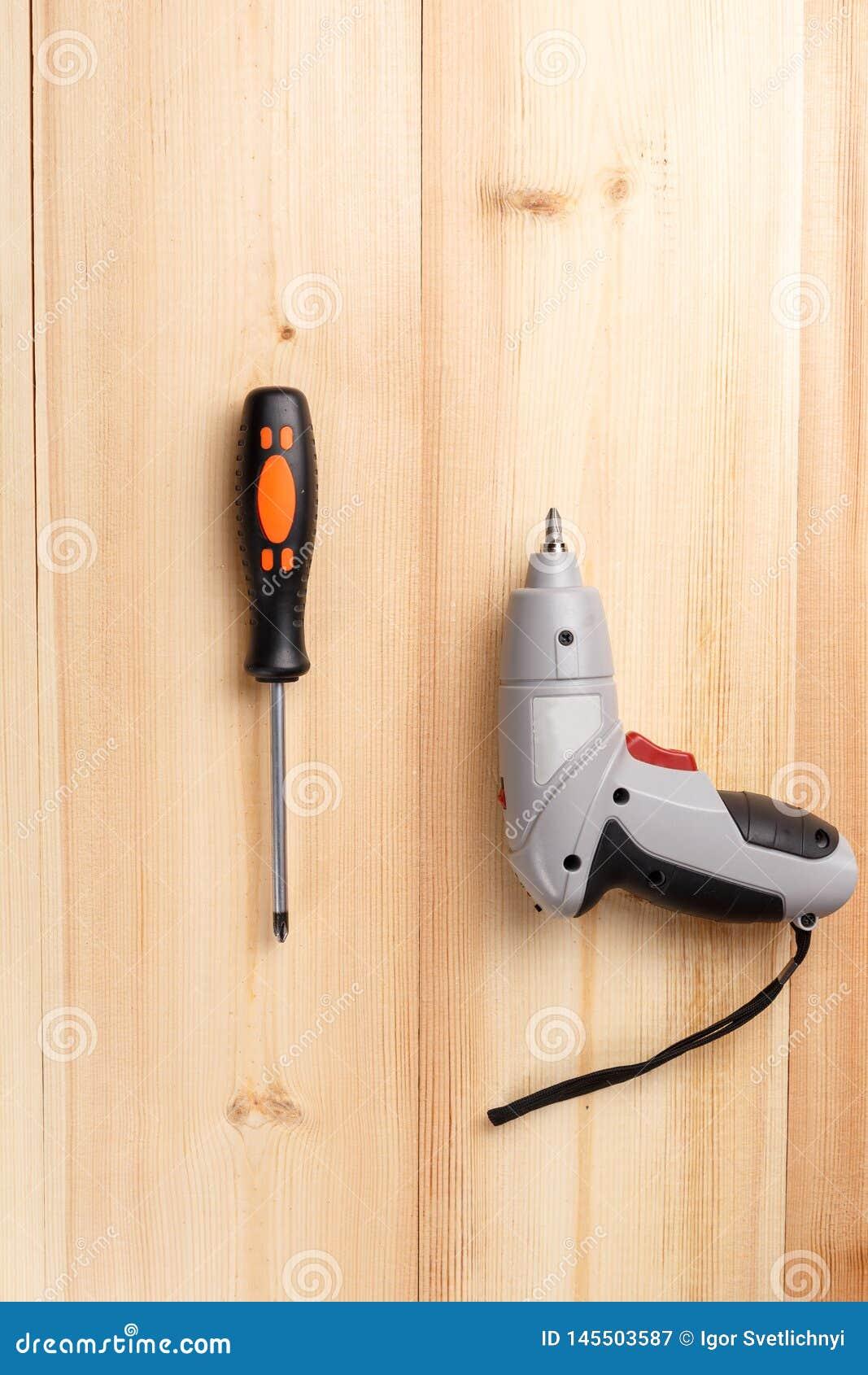 Śrubokręt i elektryczny śrubokręt