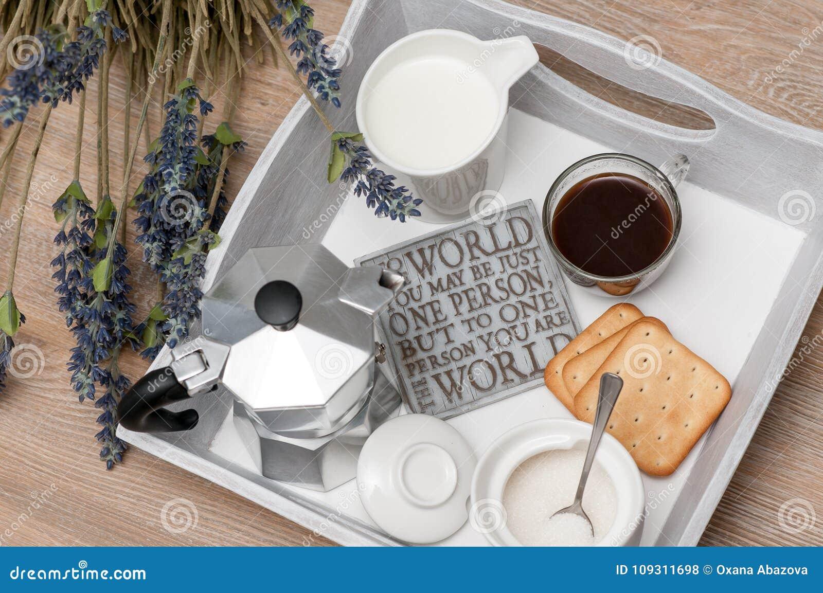 świąteczny śniadanie Kawa W łóżku Zdjęcie Stock Obraz