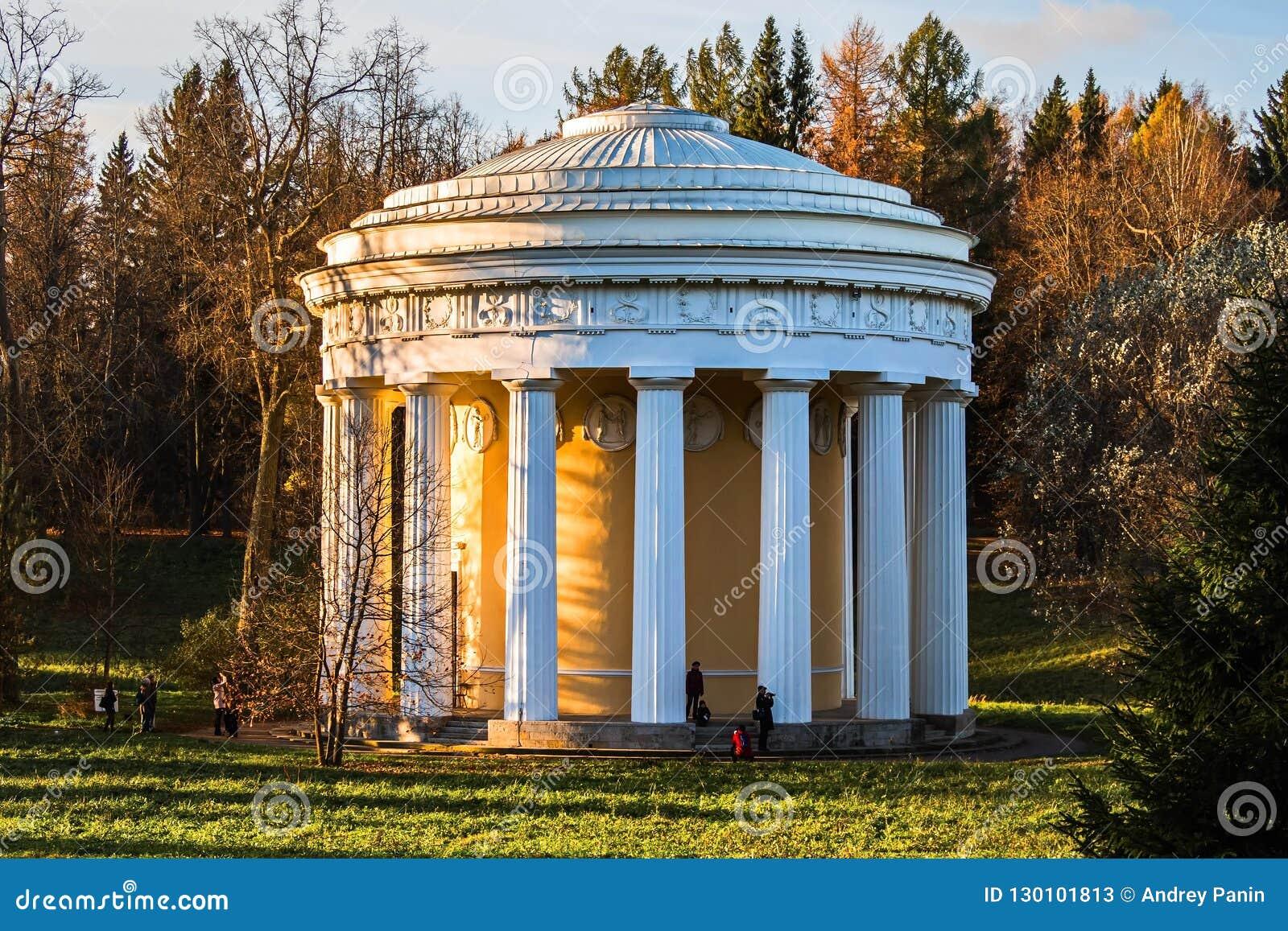 Świątynia przyjaźń w klasycznym stylu architekt Cameron