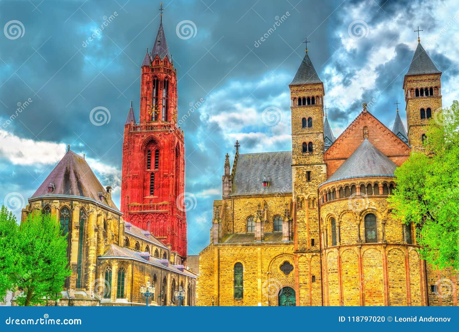 Świętego Servatius bazylika i St John kościół na Vrijthof kwadracie w Maastricht holandie