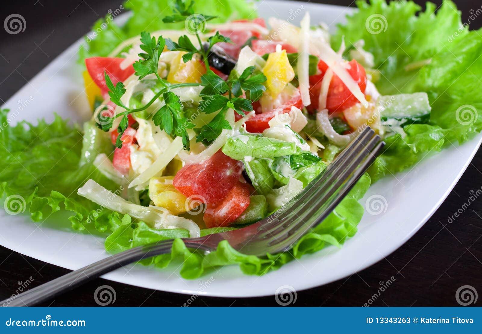 świeża grecka sałatka