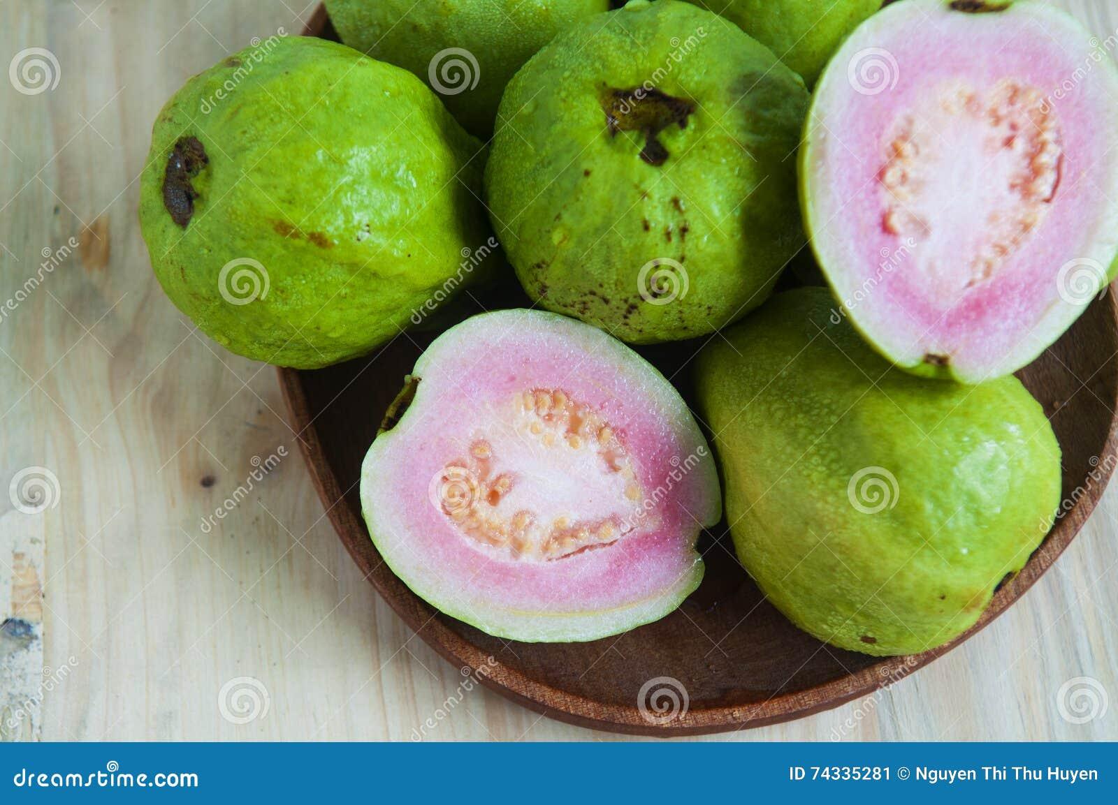 Świeża organicznie guava owoc
