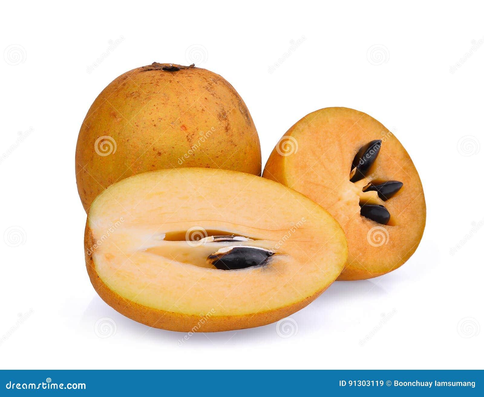 Świeża sapodilla owoc odizolowywająca na bielu
