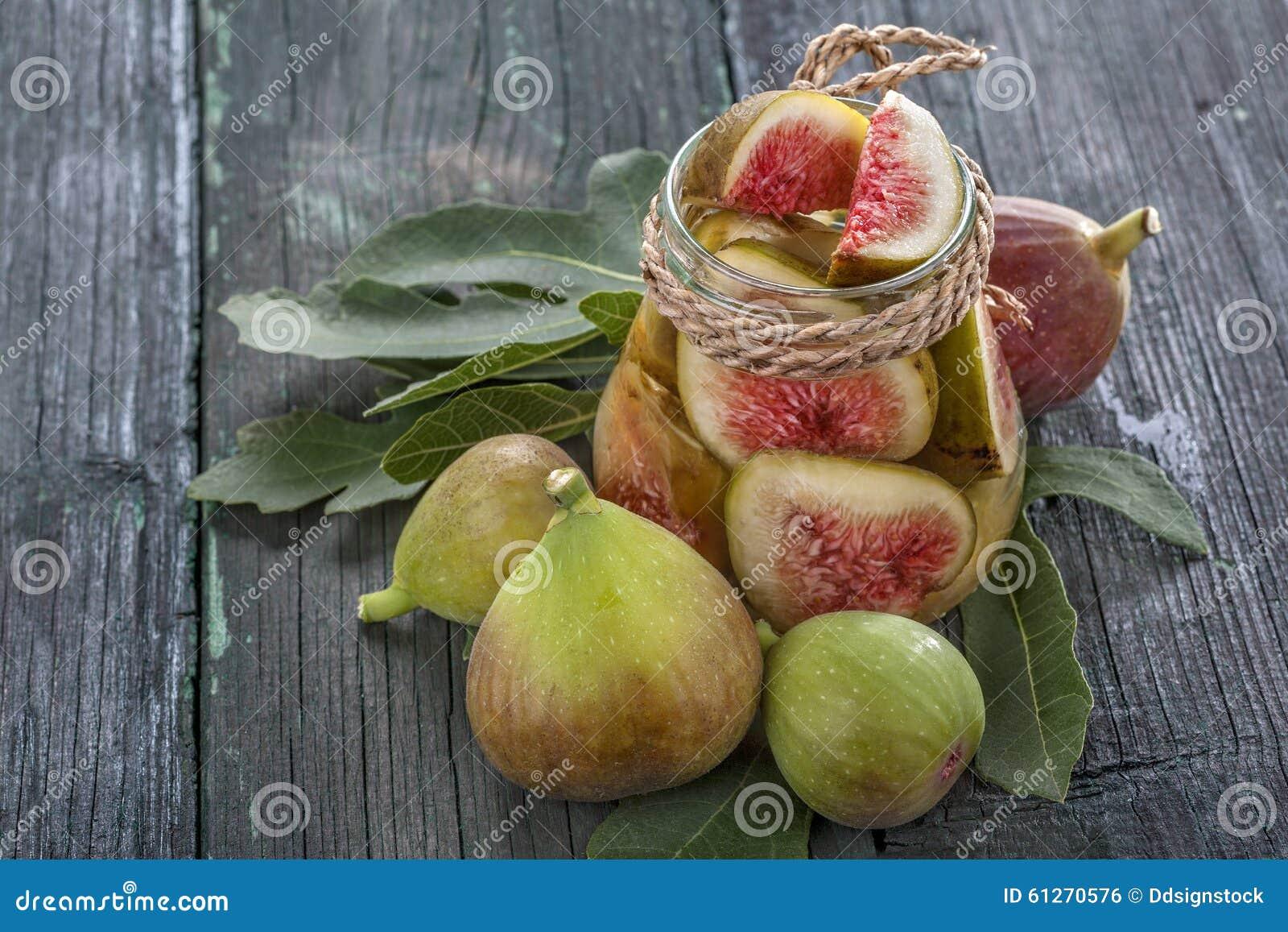 Świeże i konserwować figi