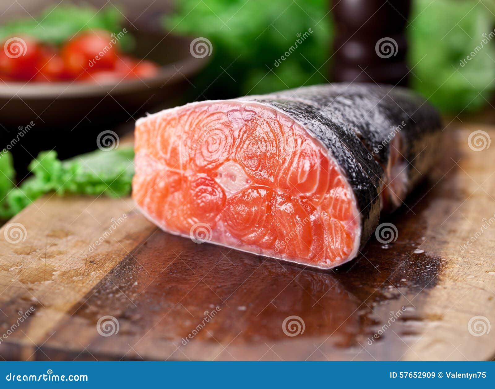 świeżego łososia Kulinarny proces