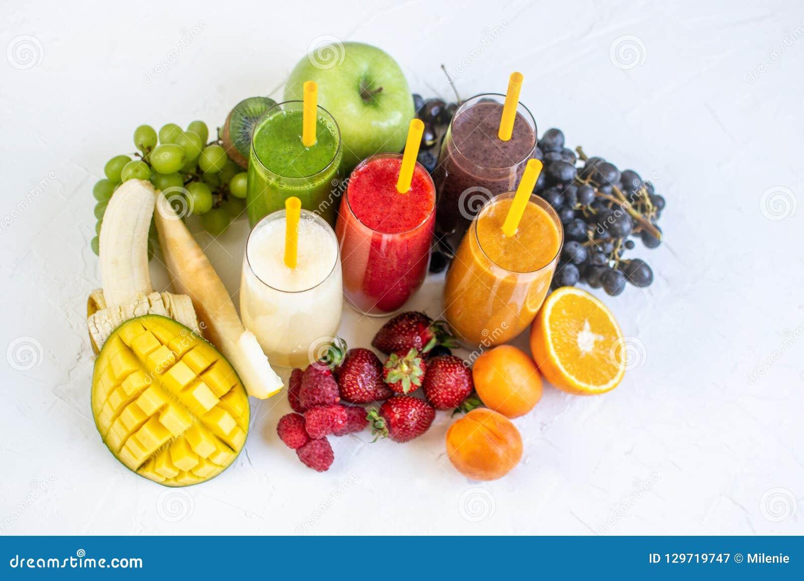 Świeżej kolorów soków Smoothie zieleni Żółte Czerwone Pomarańczowe Fiołkowe Białe Tropikalne owoc