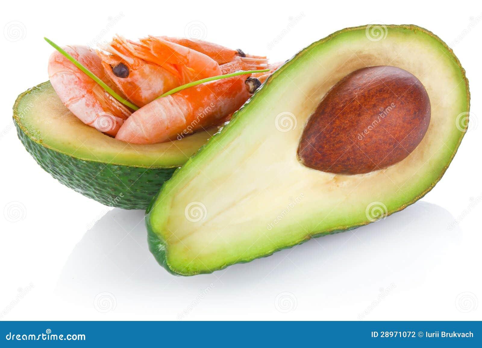 Świeży avocado z garnelą