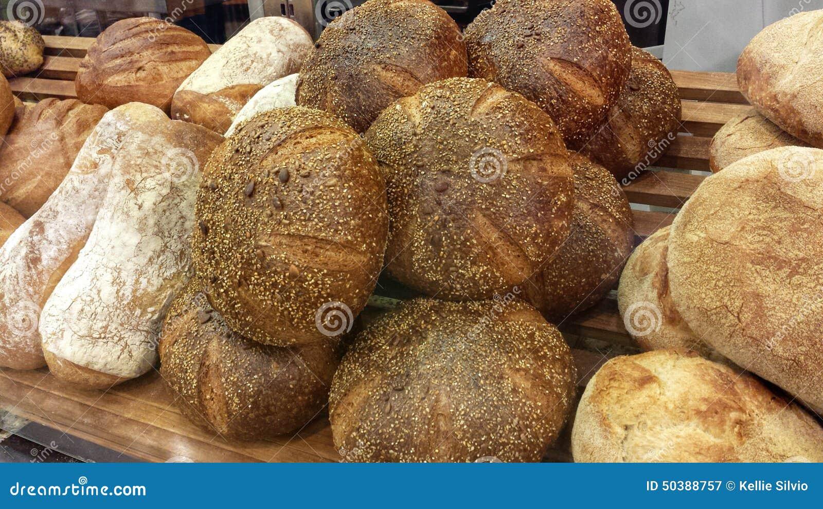 Świeży piec chleb