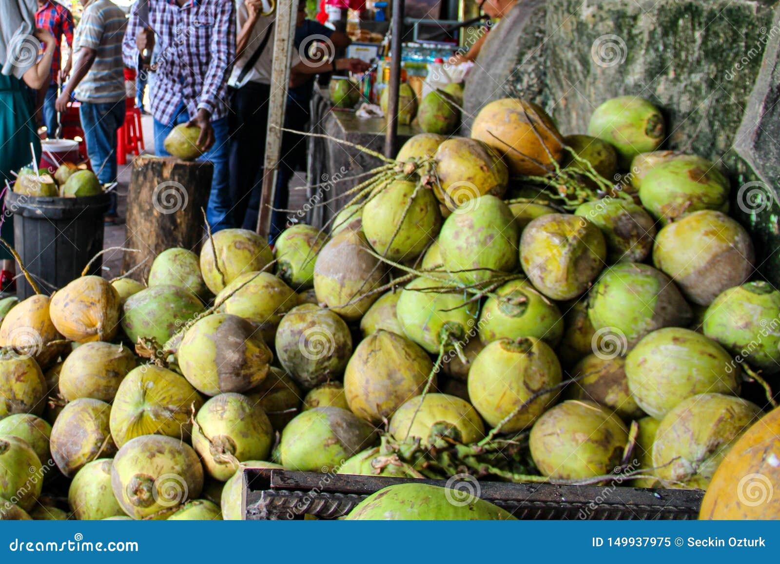Świeży zielony kokosowy owocowy Bangkok, Tajlandia, Kuala Lumpur, Malezja