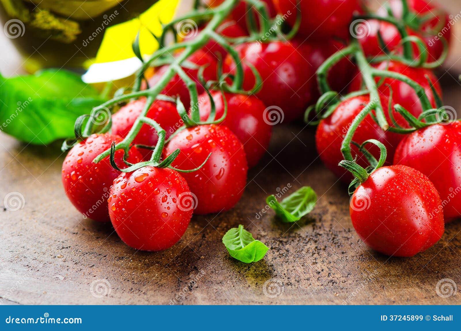 świeżych pomidorów