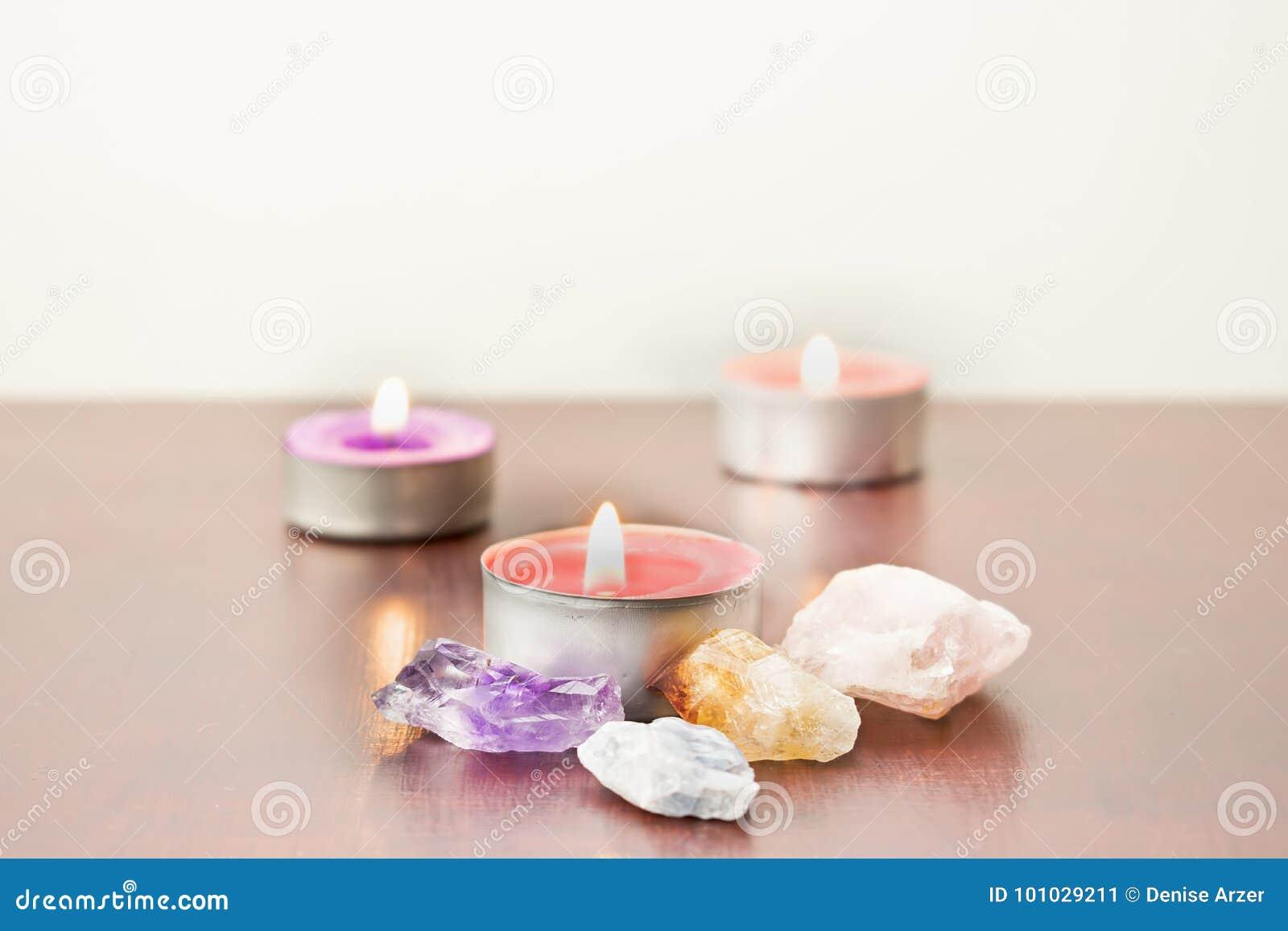 świeczki kamień