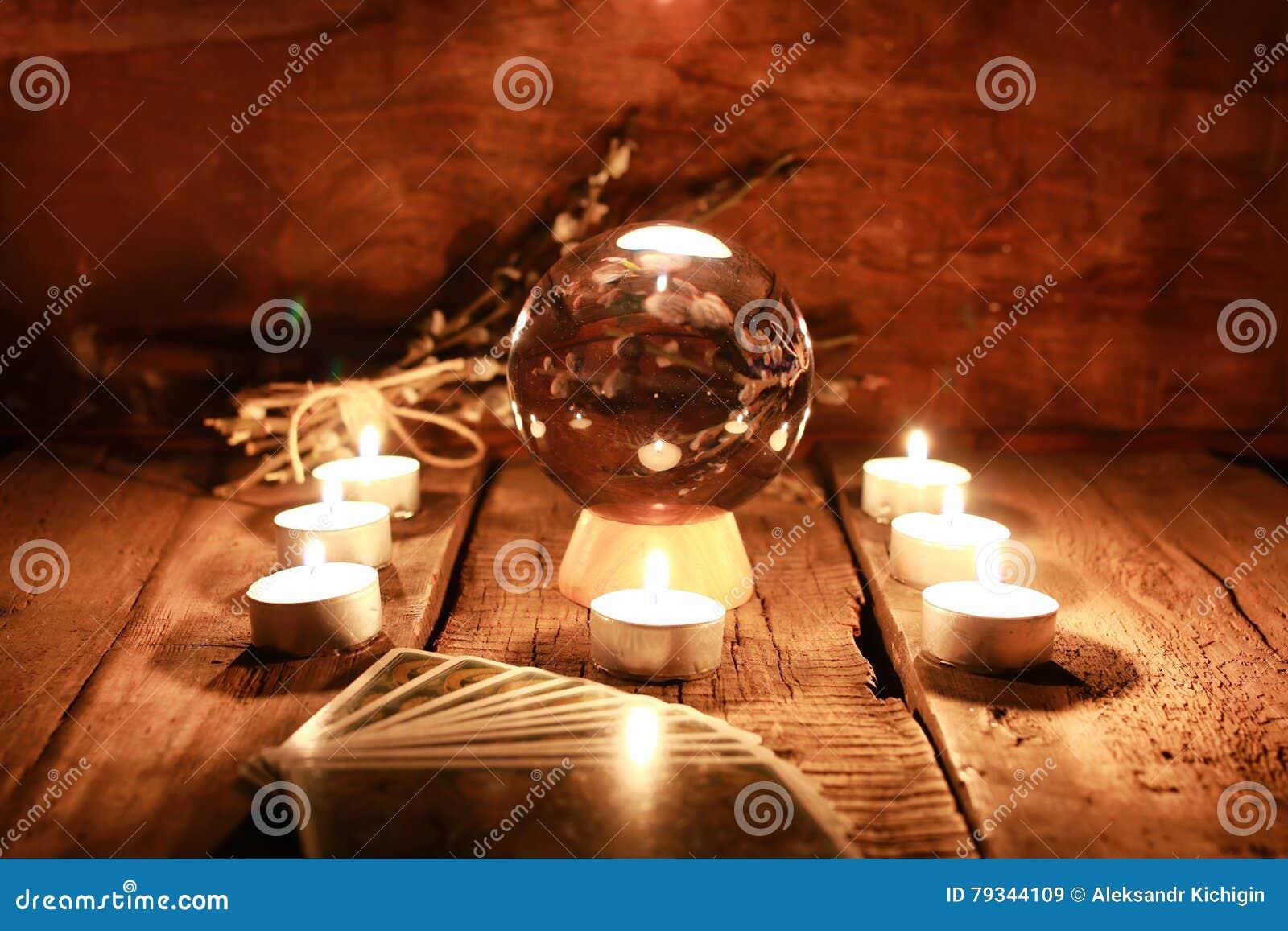Świeczki wróżby tarot karty