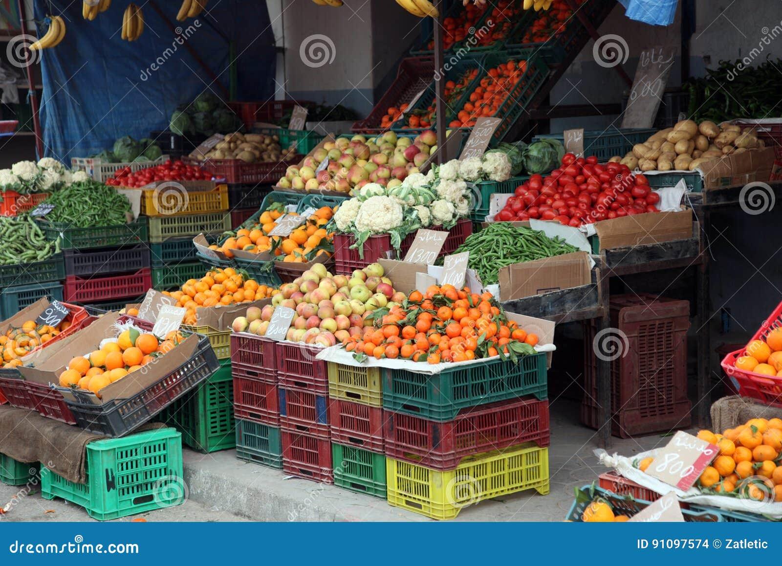 Świezi owoc i warzywo na rynku, el, Tunezja