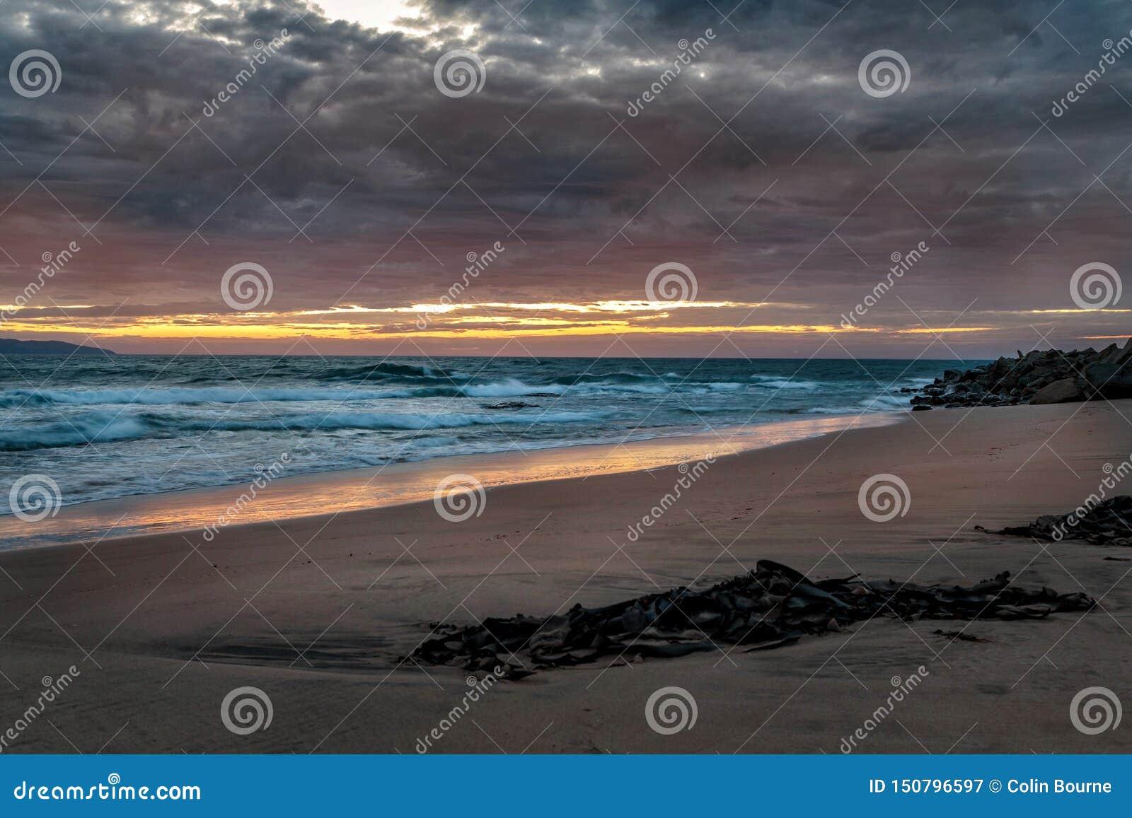 Świt przy Opollo zatoką, Wielka ocean droga, Wiktoria, Australia