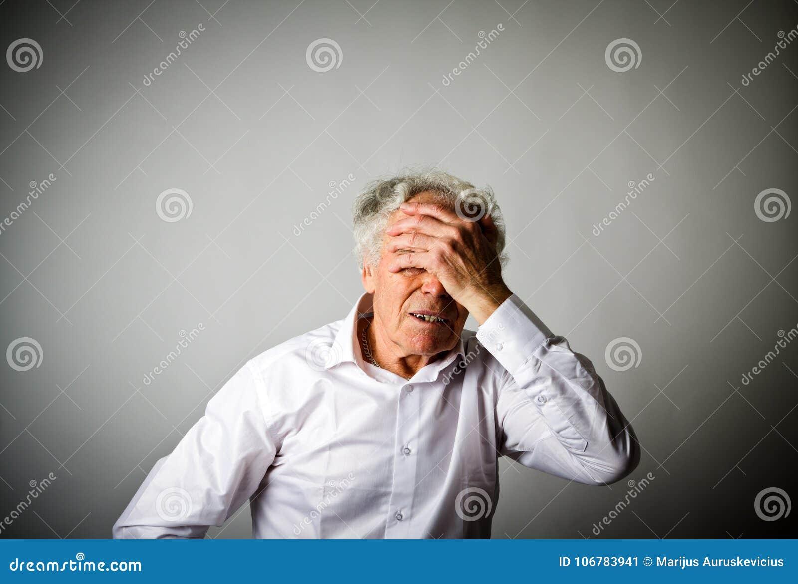żal Stary człowiek w myślach