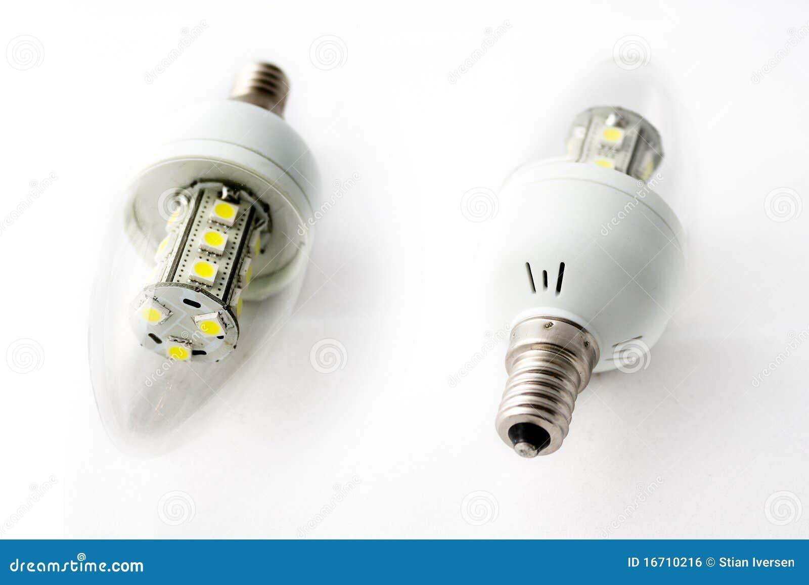 żarówki prowadzący światło dwa