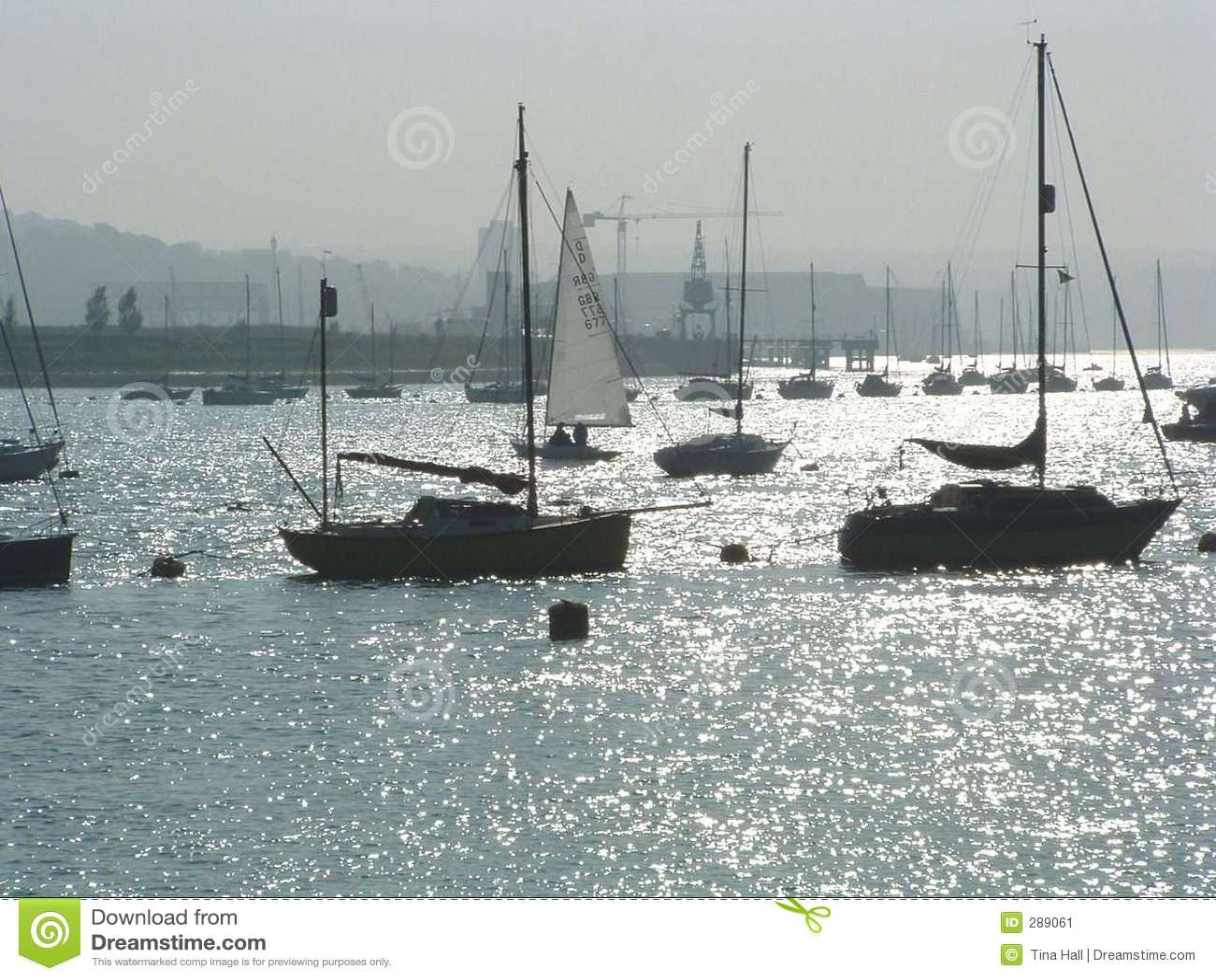 żeglować łodzią