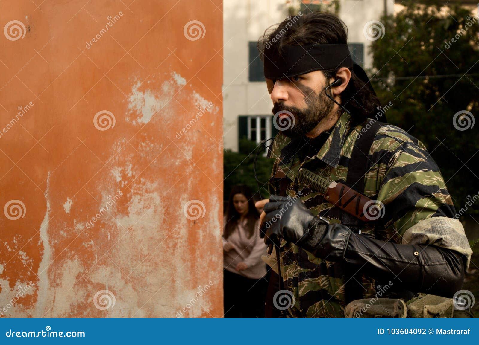 Żołnierz przy Lucca komiczkami 2017 i grami