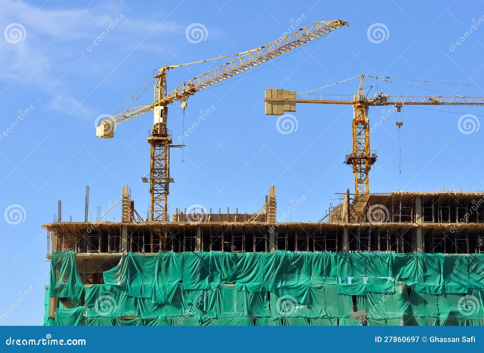 Żurawie i budowa