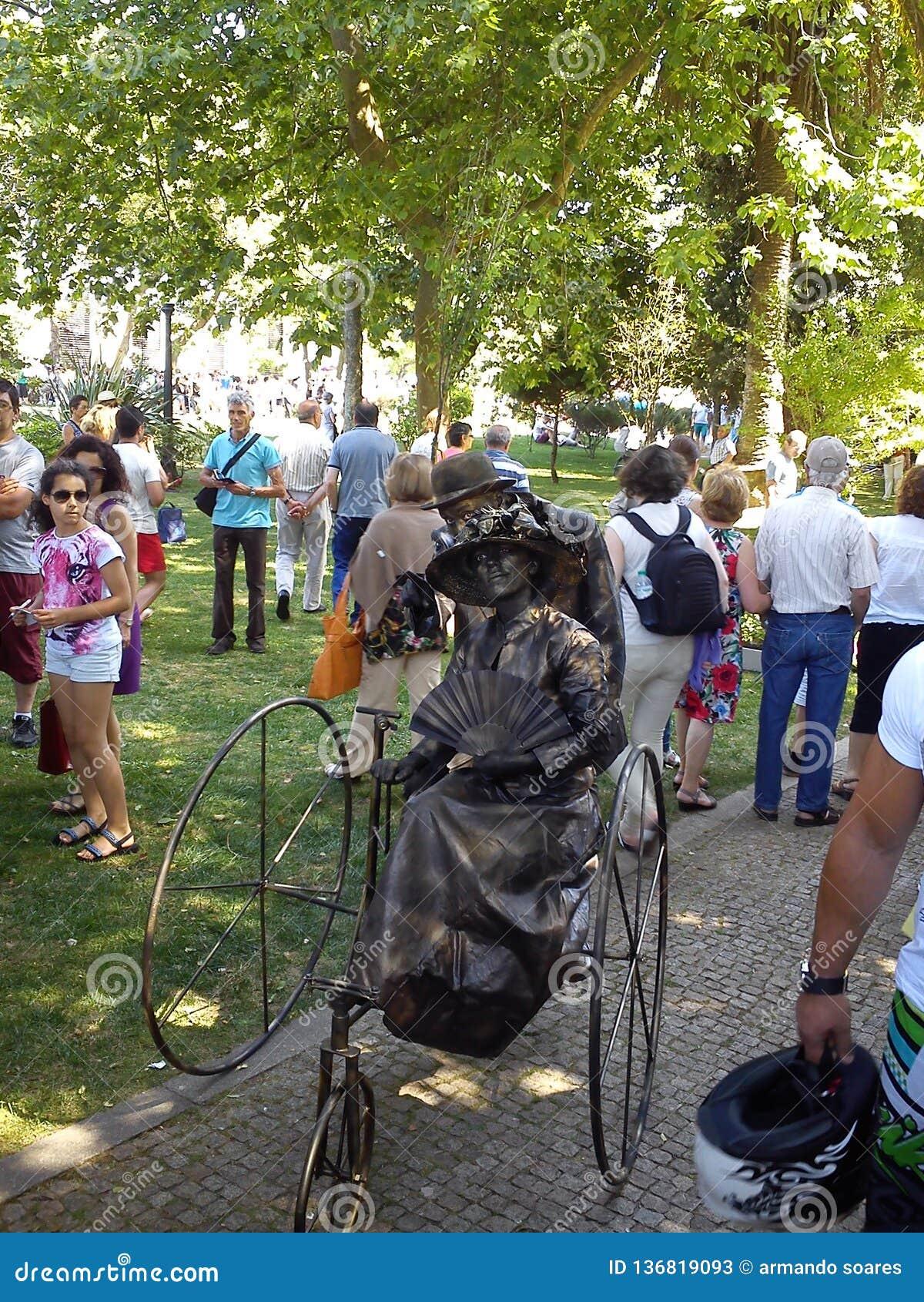 Żywe statuy w Espinho, Portugalia