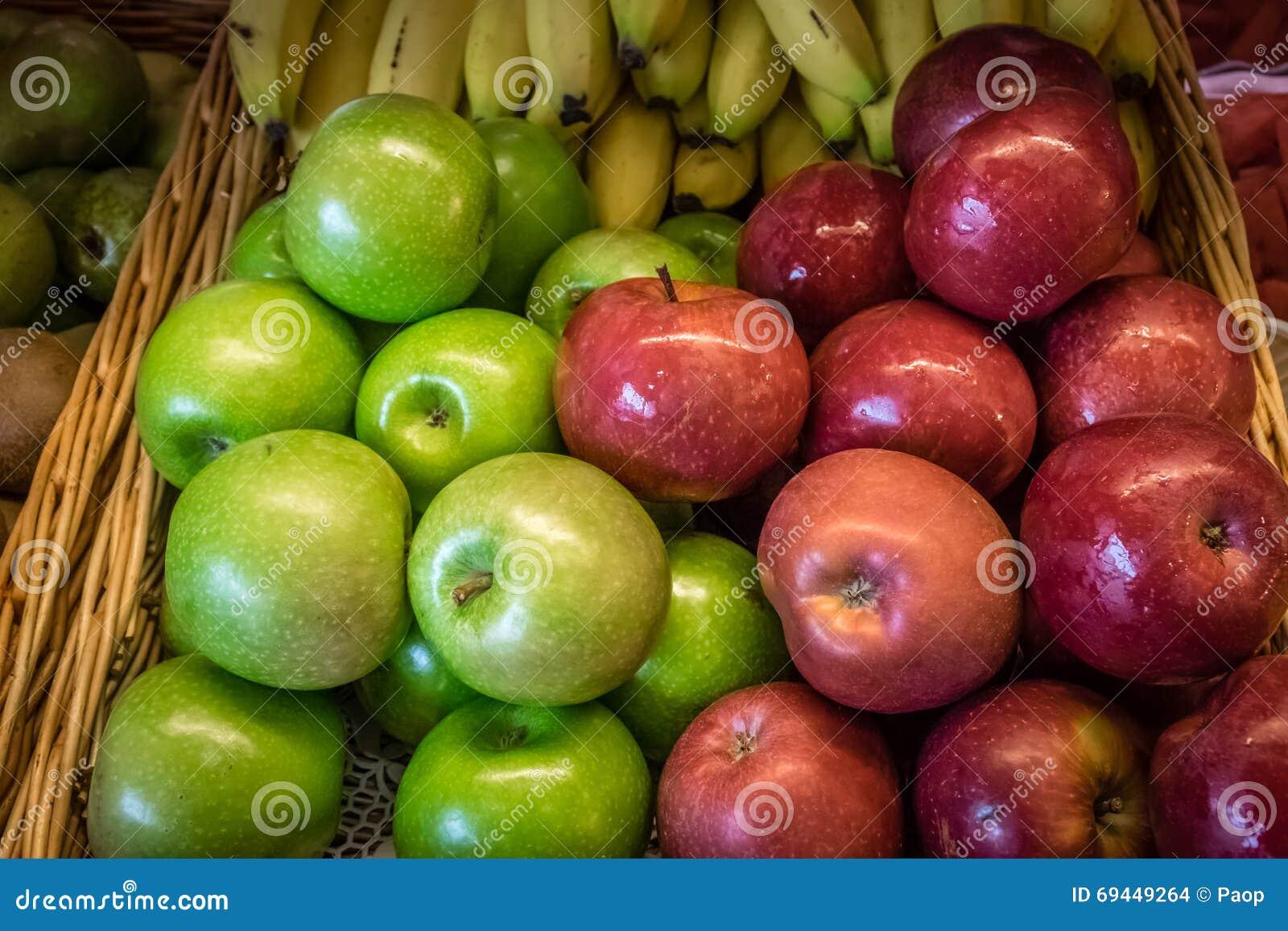 苹果香蕉葡萄智力_苹果香蕉 库存照片 - 图片