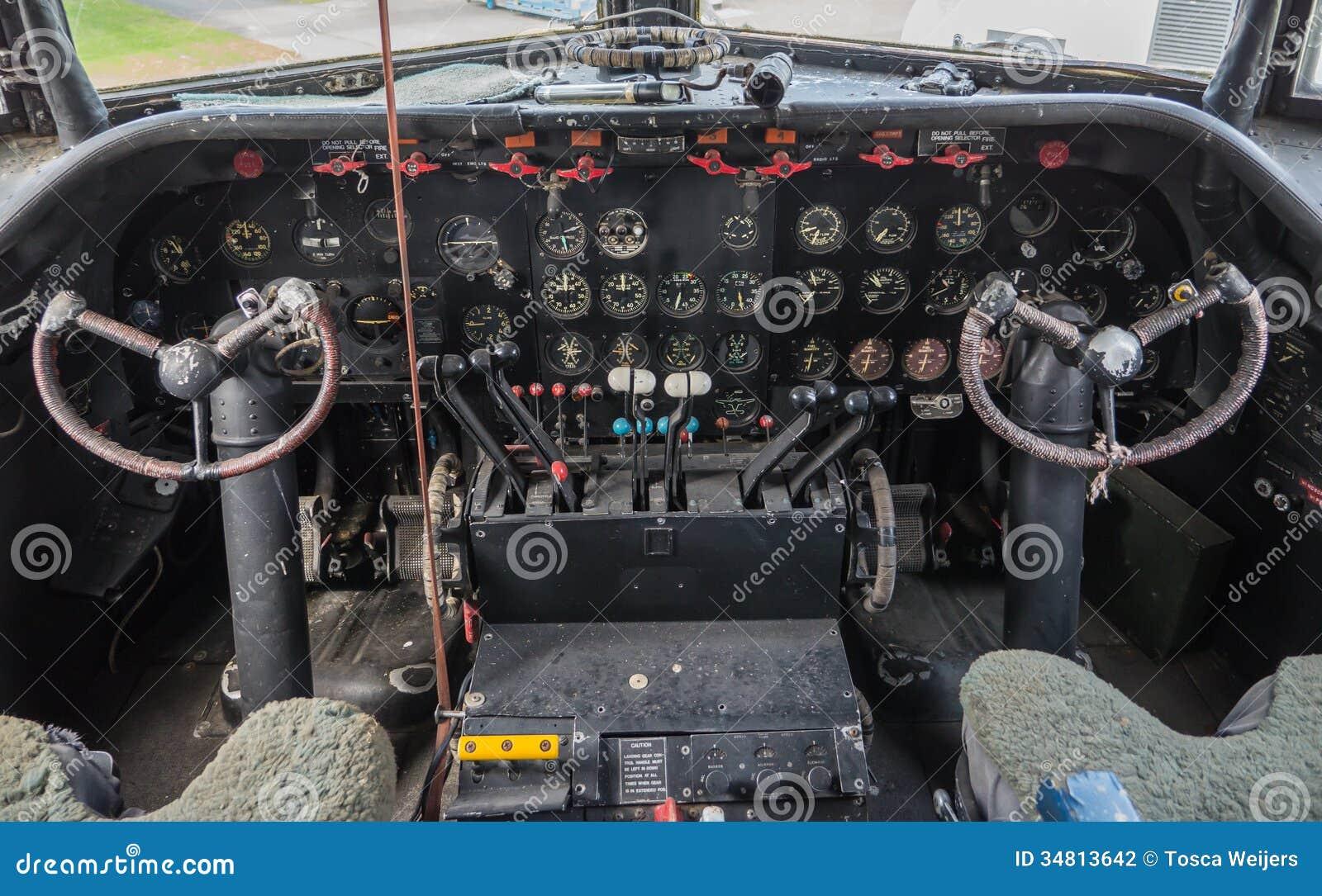 葡萄酒飞机的驾驶舱
