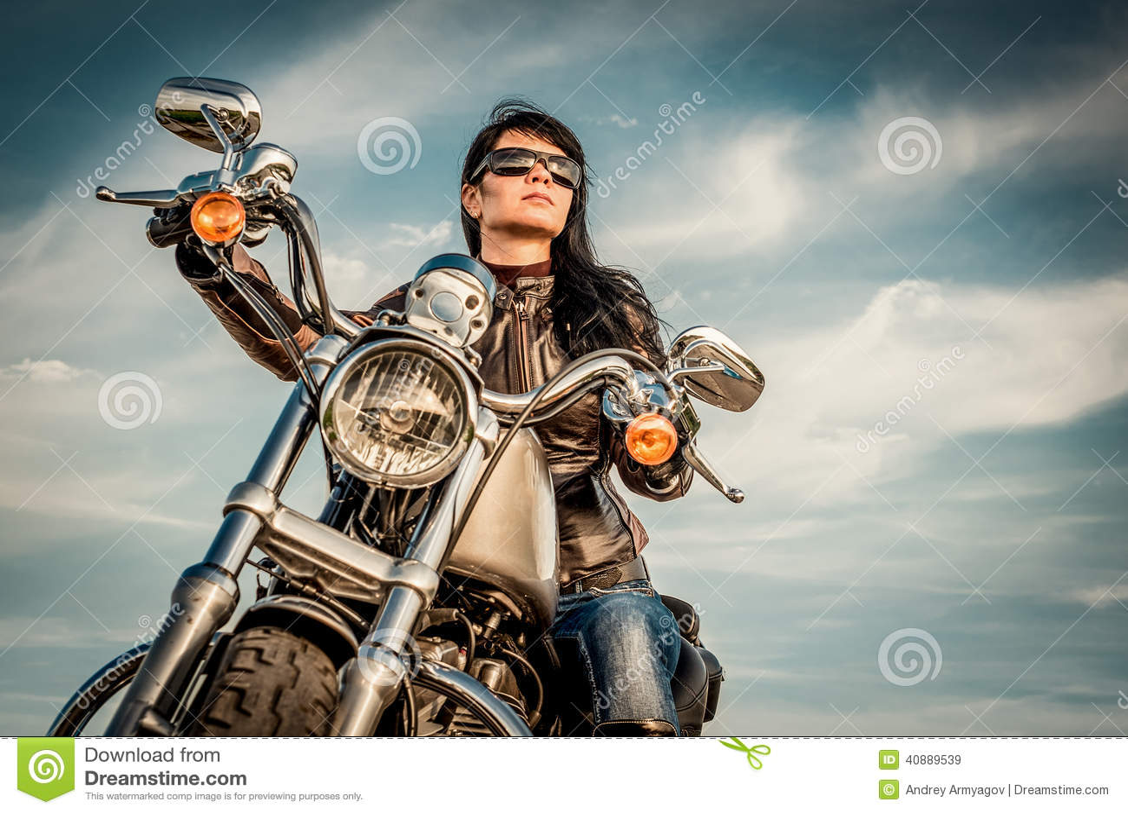 早晨摩托车射击