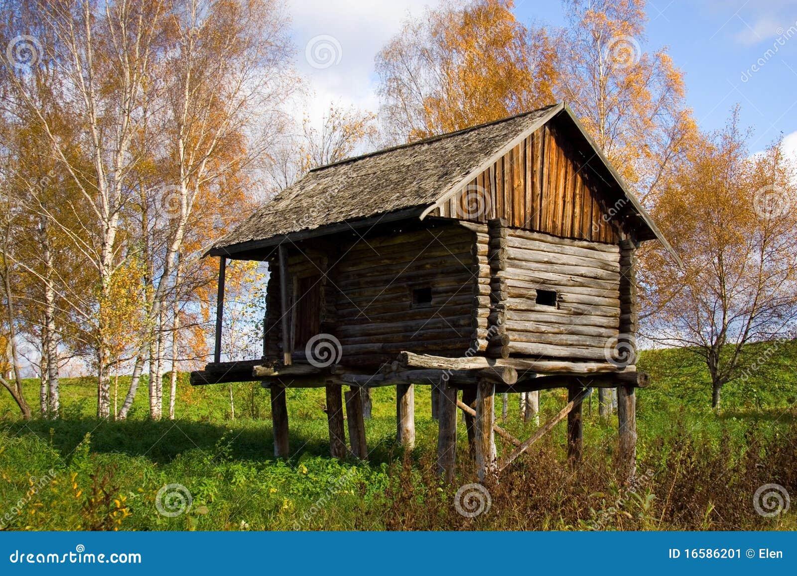 秋天风景-木房子 库存图片