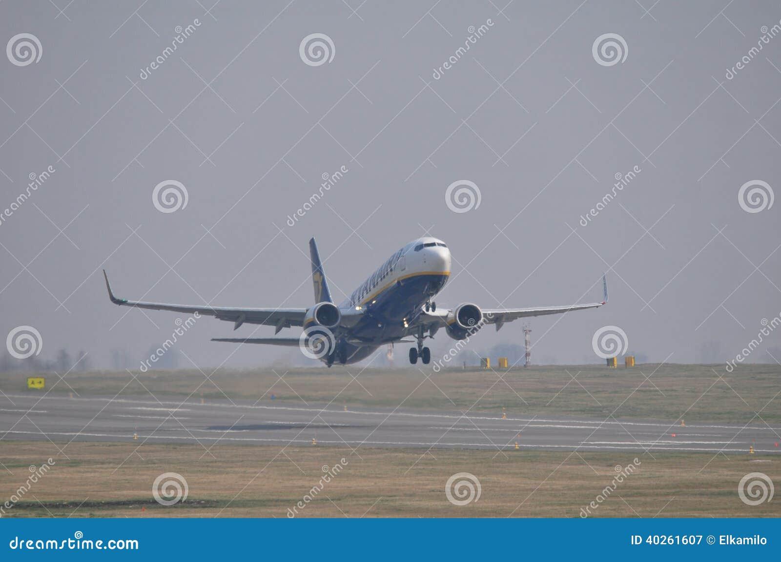 瑞安航空公司飞机