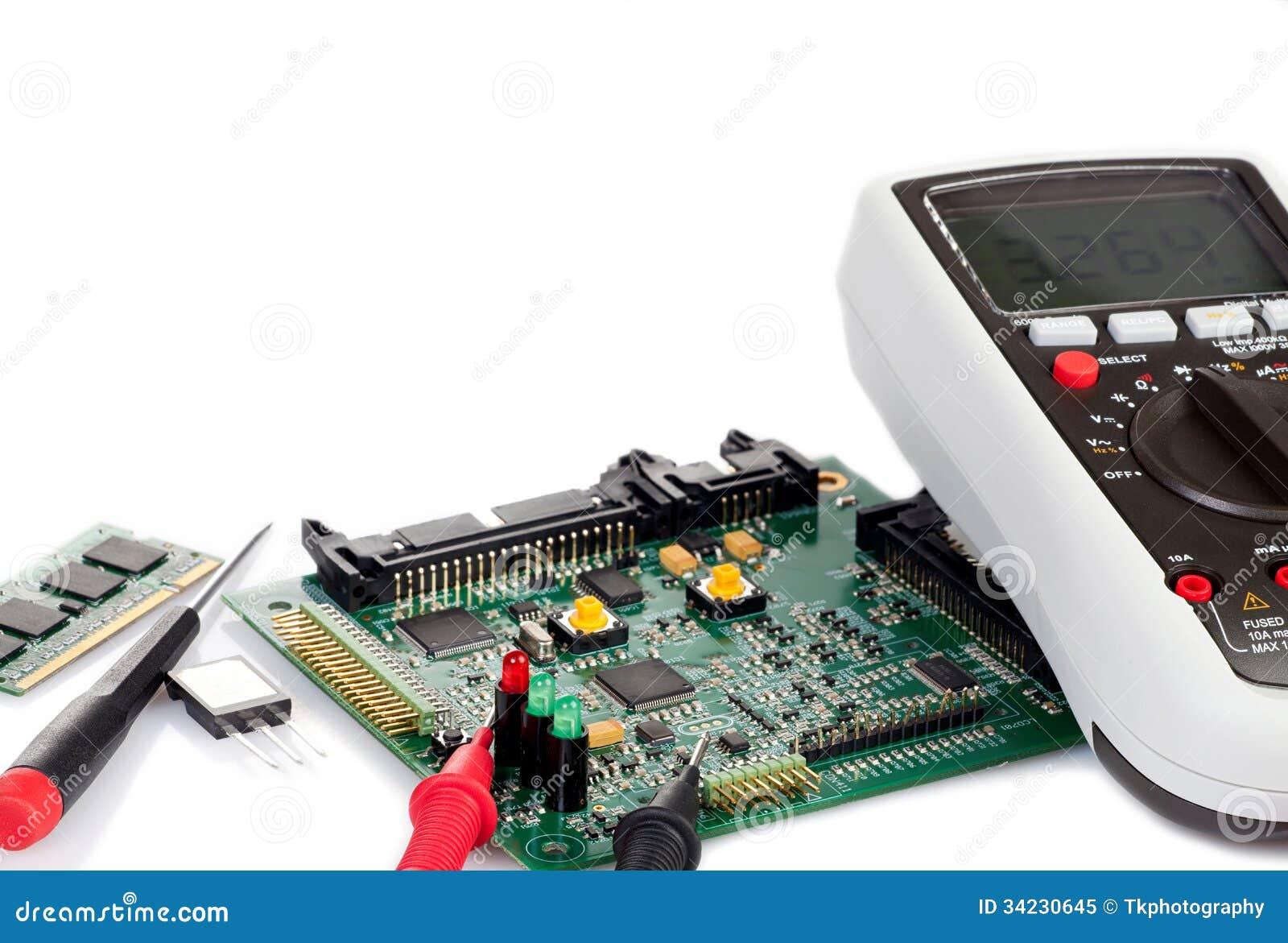 数字式多用电表和电路板