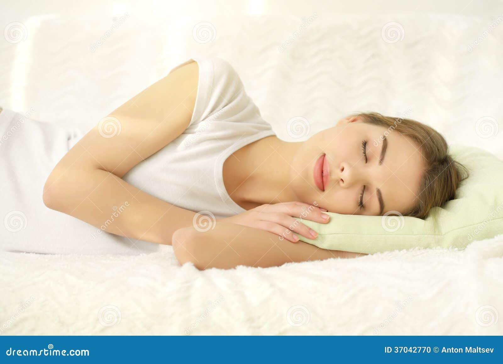 睡觉的女孩 库存照片