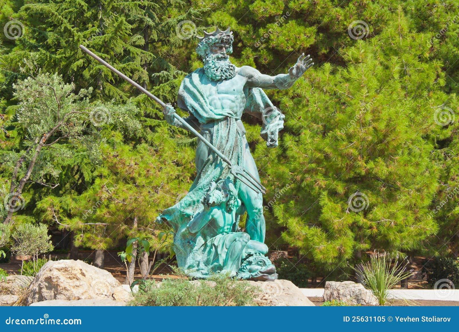 άγαλμα πάρκων της Κριμαίας poseidon