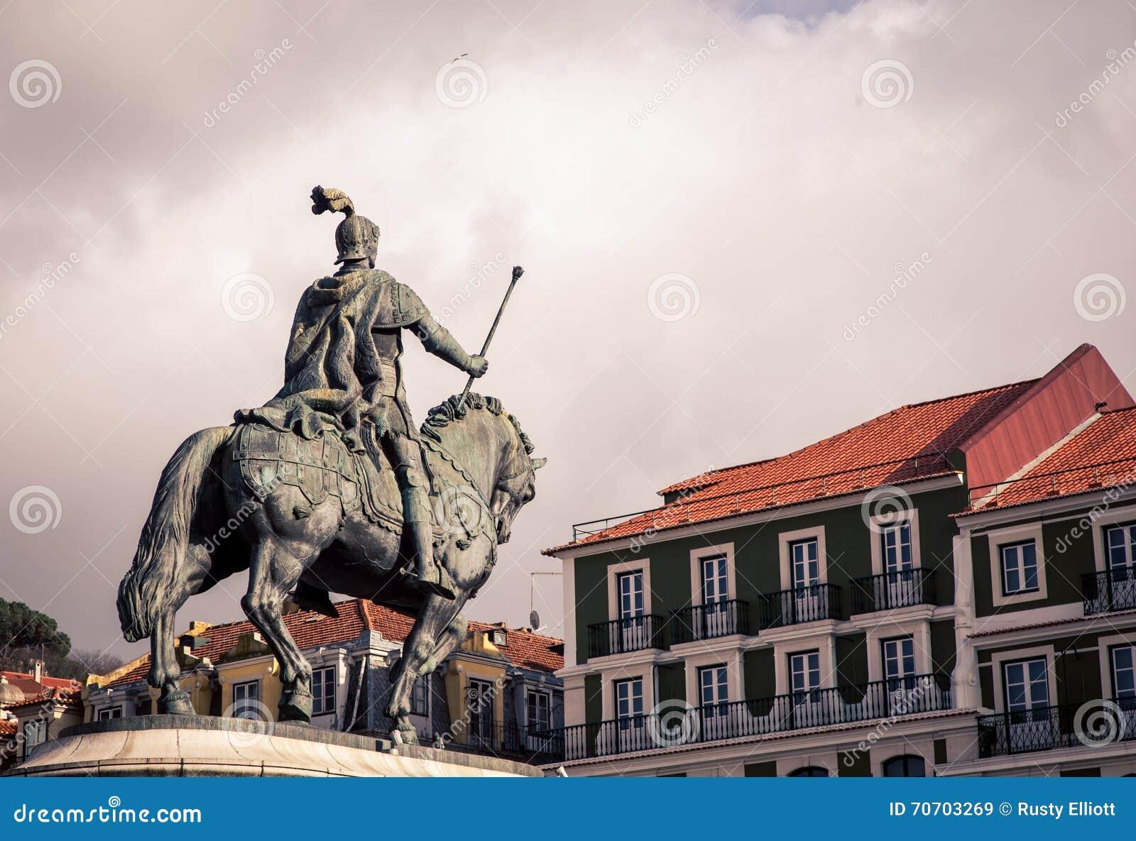 Άγαλμα αναβατών και αλόγων