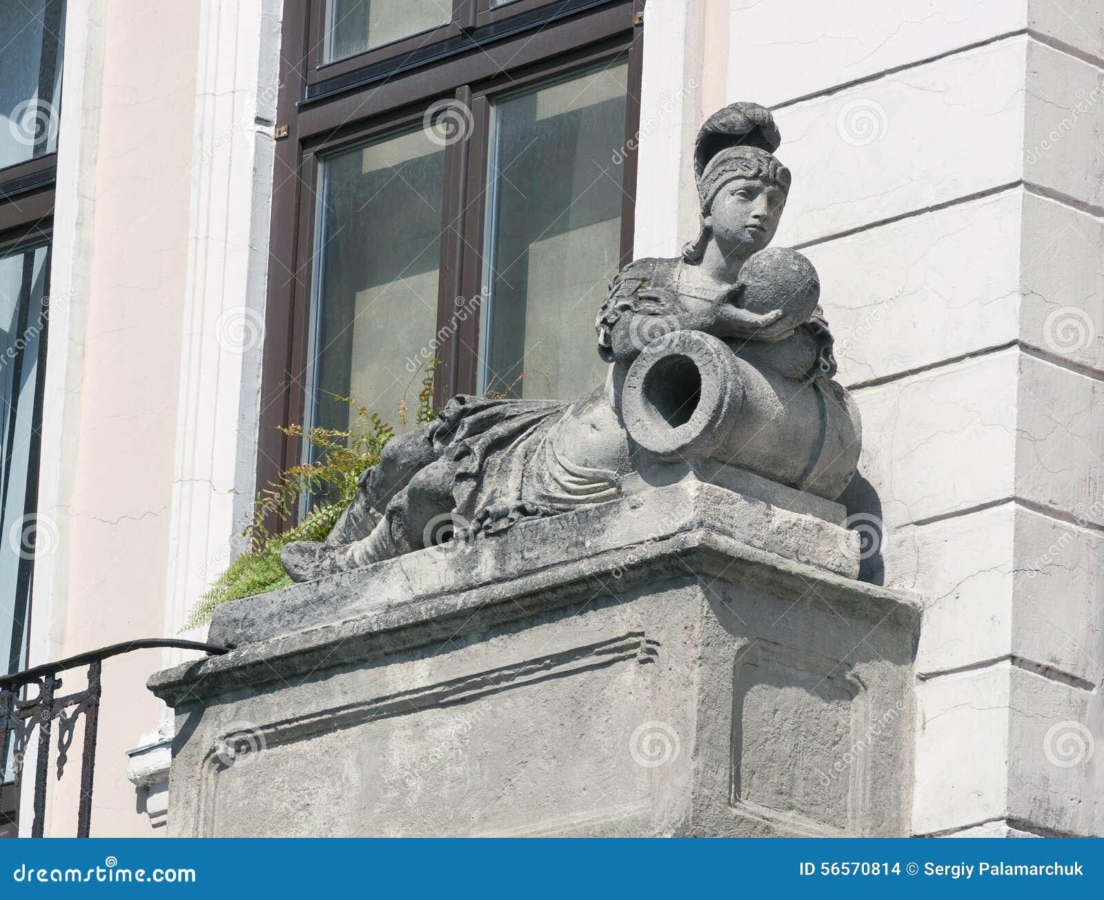 Download Άγαλμα γυναικών, αρχιτεκτονική λεπτομέρεια παλαιού Lviv, δυτική Ουκρανία Στοκ Εικόνες - εικόνα από lying, lvov: 56570814