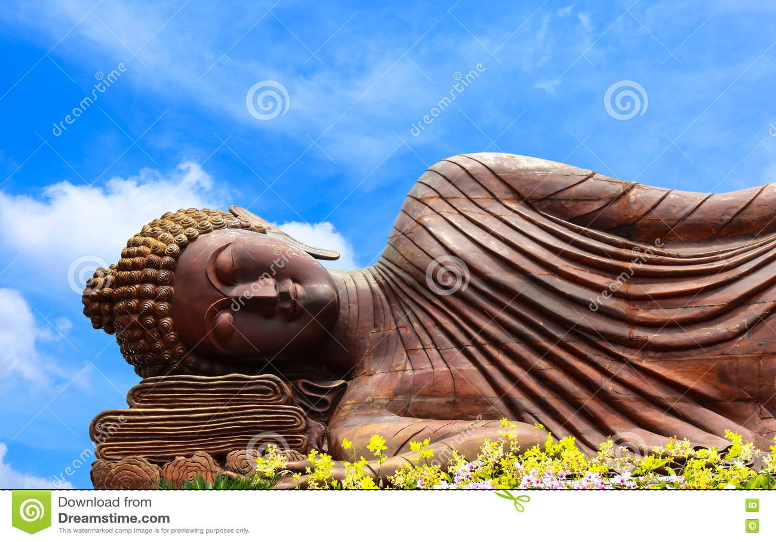 άγαλμα ξαπλώματος του Βούδα ξύλινο